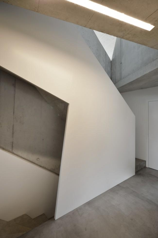 509bf3c4b3fc4b2c55000027_duplex-house-l3p-architects_13_asd_277-022_n-667x1000