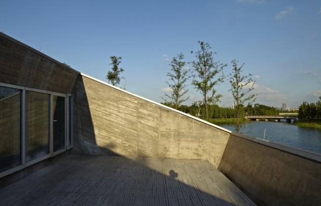 5166c809b3fc4b644d00012b_restaurant-by-yuanxiang-lake-atelier-z-__-_-roof_platform-1000x642