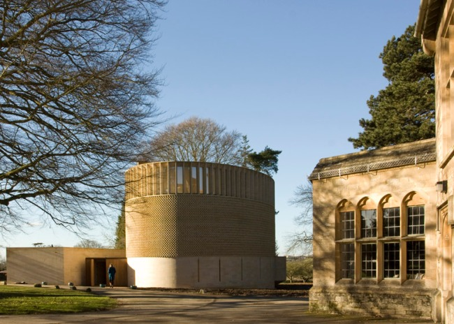 Bishop-Edward-King-Chapel-by-Niall-McLaughlin-Architects_ss_21