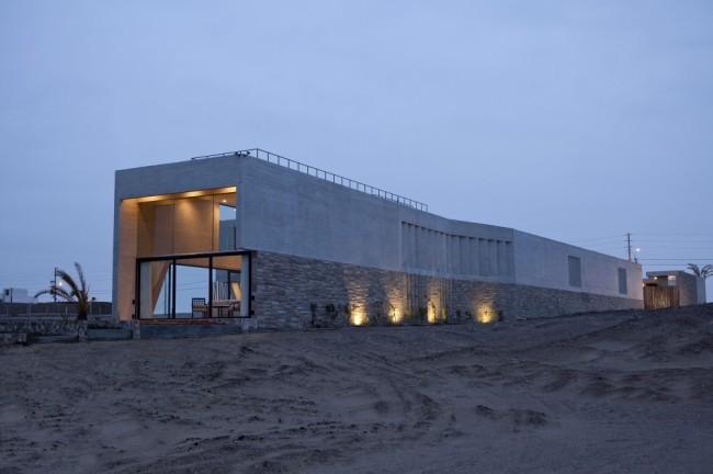 51089fafb3fc4b276d000177_paracas-house-rrmr-arquitectos_casa_paracas_-_arq-roberto_riofrio_arq-micaela_rodrigo_-_fotografo_javier_larrea_-_001-1000x666