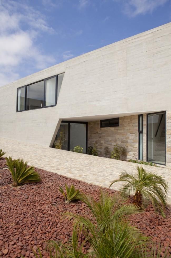 5108a36db3fc4b276d00019b_paracas-house-rrmr-arquitectos_casa_paracas_-_arq-roberto_riofrio_arq-micaela_rodrigo_-_fotografo_javier_larrea_-_007-666x1000