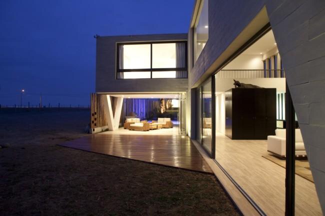 5108a496b3fc4b276d0001b3_paracas-house-rrmr-arquitectos_casa_paracas_-_arq-roberto_riofrio_arq-micaela_rodrigo_-_fotografo_javier_larrea_-_009-1000x666