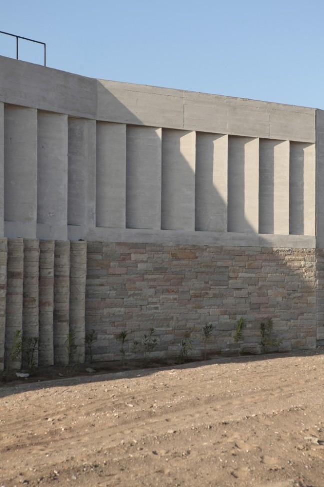 5108a808b3fc4b276d0001db_paracas-house-rrmr-arquitectos_casa_paracas_-_arq-roberto_riofrio_arq-micaela_rodrigo_-_fotografo_javier_larrea_-_15-666x1000