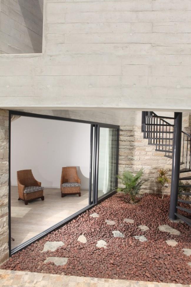 5108a81cb3fc4b276d0001dc_paracas-house-rrmr-arquitectos_casa_paracas_-_arq-roberto_riofrio_arq-micaela_rodrigo_-_fotografo_javier_larrea_-_14-666x1000