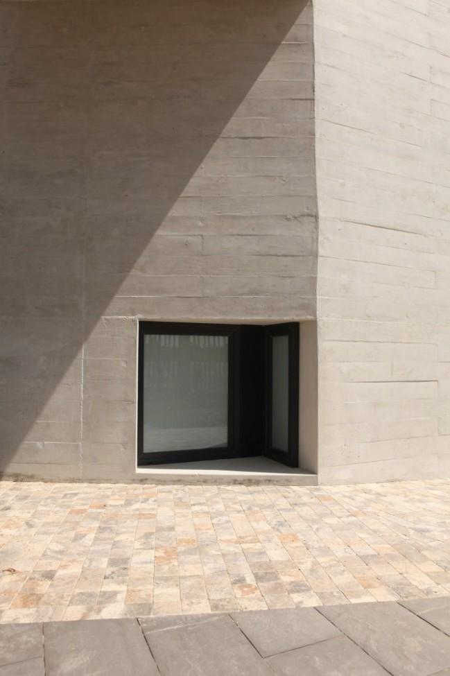 5108a8edb3fc4b276d0001e3_paracas-house-rrmr-arquitectos_casa_paracas_-_arq-roberto_riofrio_arq-micaela_rodrigo_-_fotografo_javier_larrea_-_16-666x1000
