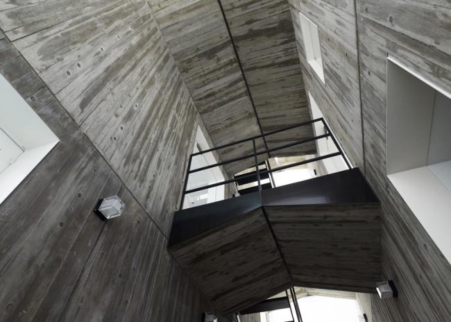 dezeen_Takanawa-House-by-Hiroyuki-Ito_1b