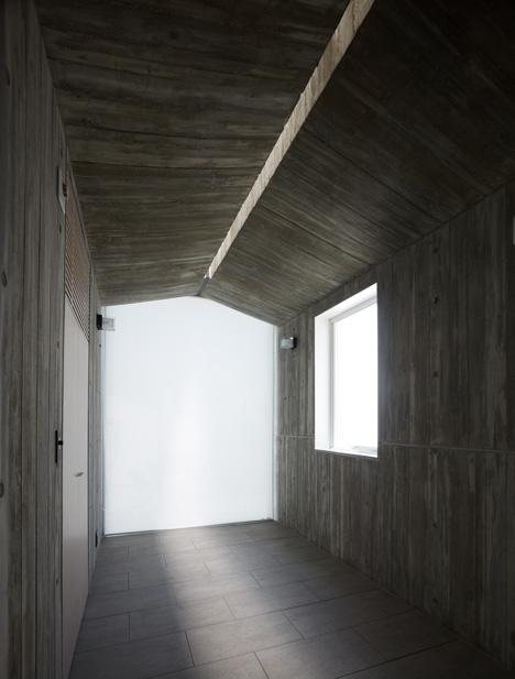 dezeen_Takanawa-House-by-Hiroyuki-Ito_6