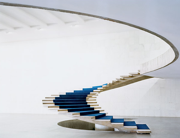 stairs-ministry-of-foreign-affairs-brasilia-oscar-niemeyer