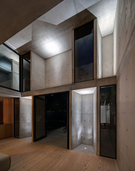 Glebe-House-by-Nobbs-Radford-Architects-extends-a-Sydney-residence_dezeen_21