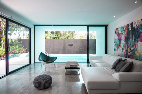 House-in-Cancun-Mexico-by-Warm-Architects_dezeen_468_11